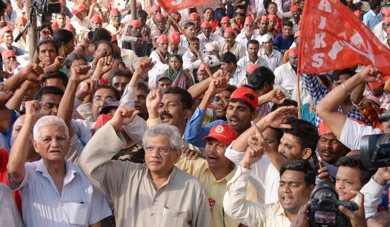 After farmers' stir success, Left groups plan nationwide marches on May 23