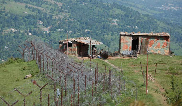 2 jawans martyred in ceasefire violation along LoC in Jammu and Kashmir