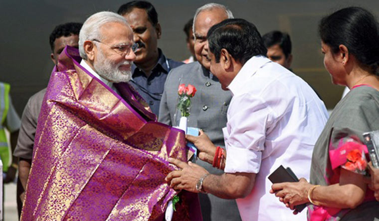 PM Modi with TN Chief Minister Edappadi K. Palaniswami | PTI