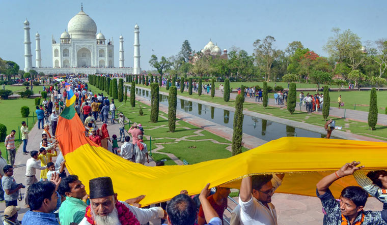 Declaring Taj waqf property will lead to flood of claims