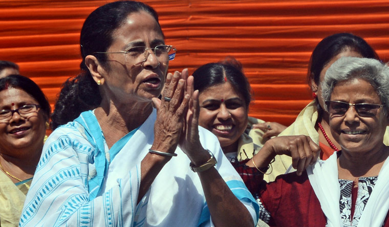 Mamata sees currency shortage as a reminder of demonetisation
