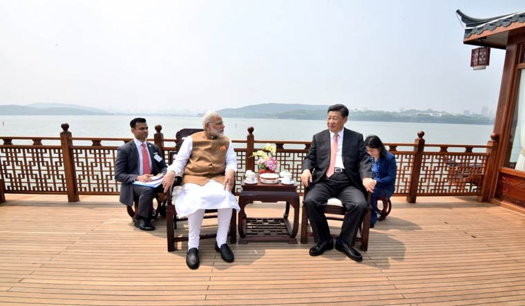 Prime Minister Narendra Modi and Chinese President Xi on a boat ride in the East Lake in Wuhan | Twitter/MEAIndia