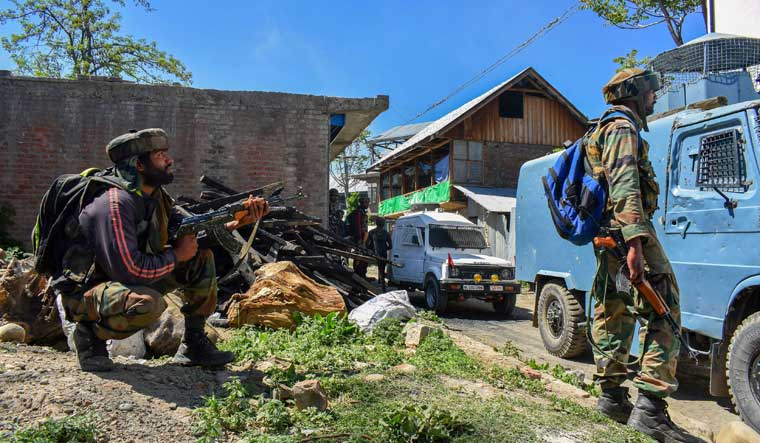 Gunmen kill three persons in Baramulla