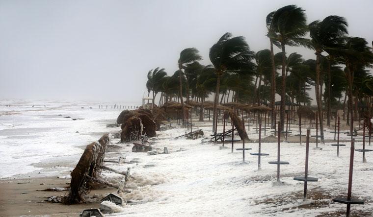 Cyclone Mekunu hit Omans Dhofar & Al-Wusta provinces