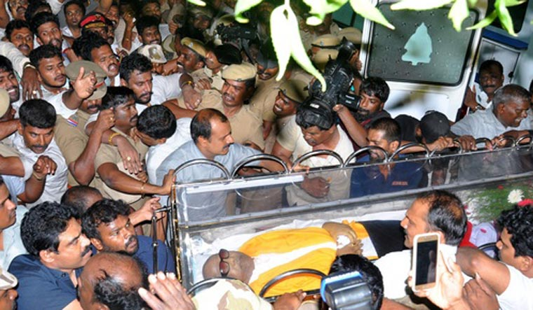karunanidhi dead க்கான பட முடிவு