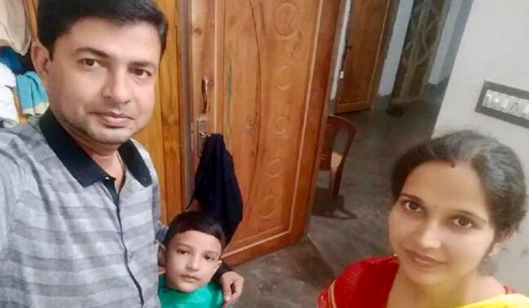 Bondhu Pal family