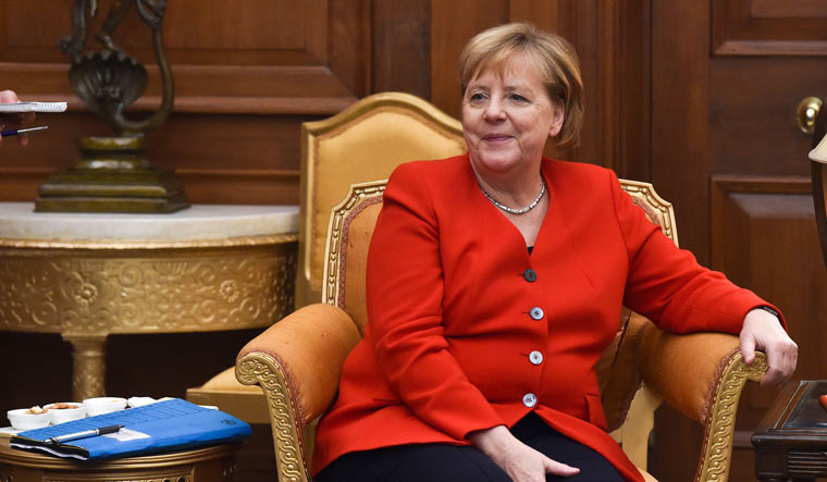 Germany's 'light lockdown': Merkel to push for school to remain open - Bild