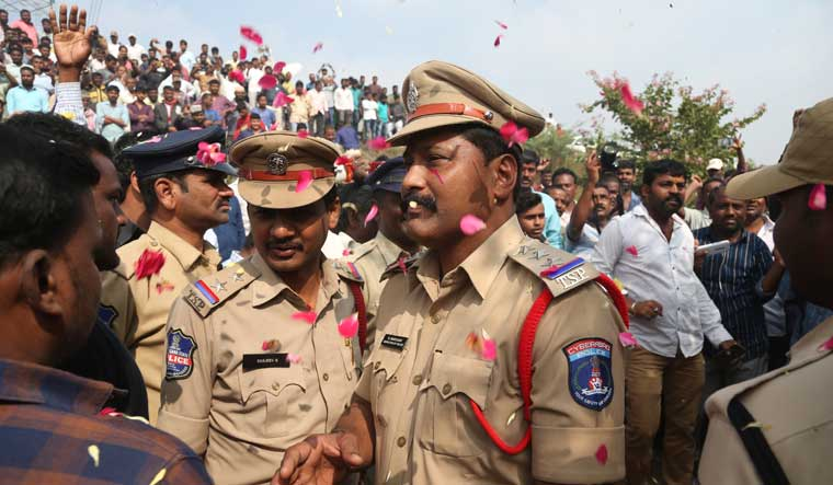 Hyderabad cops flowers ap