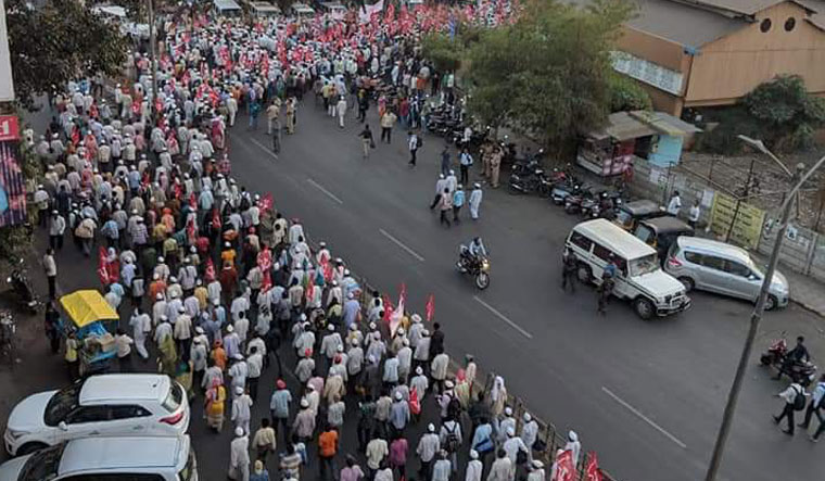 Farmers' march to Mumbai to continue as talks inconclusive
