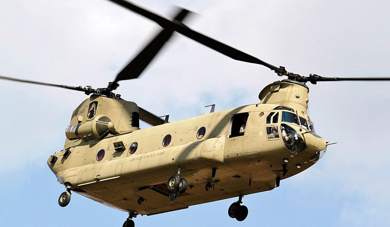 Chinook-heavy-lift-helicopters