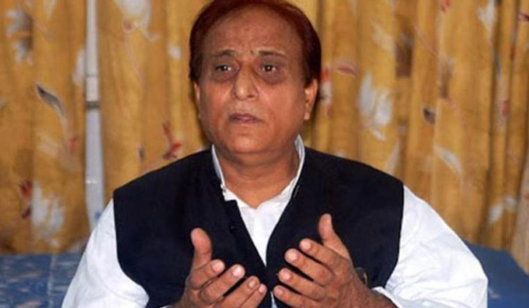 Azam Khan makes objectionable comment to reporters in Vidisha