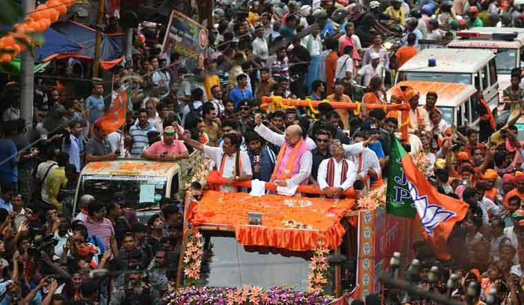 BJP, TMC workers clash at Amit Shah's roadshow in Kolkata
