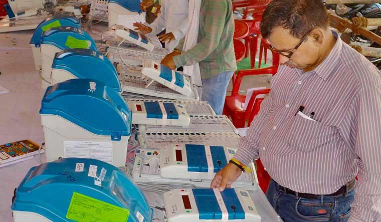 Vote-VVPAT slip mismatch alleged in Delhi; EC orders probe