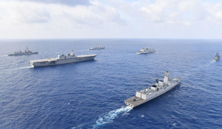 South China sea sail-together 7th Fleet