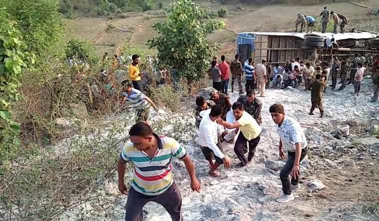 Jharkhand: 6 dead, 43 injured as bus falls into gorge - The Week