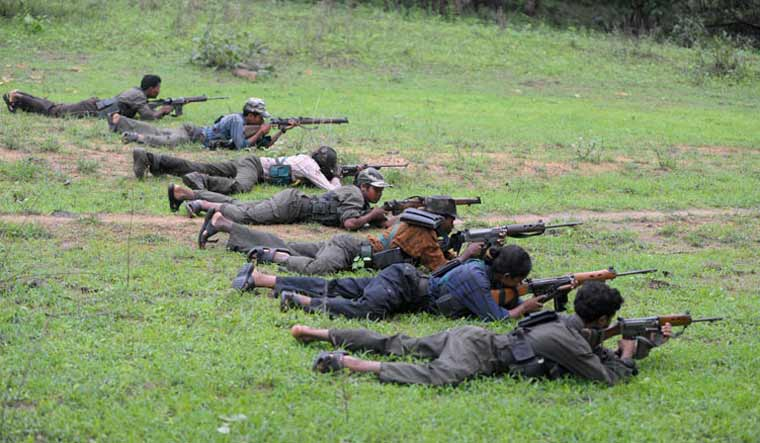 file-maoist-training-afp.jpg