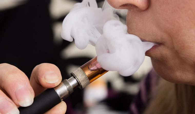 Vaping leaves e-cigarette user with rare form of lung scarring: Study