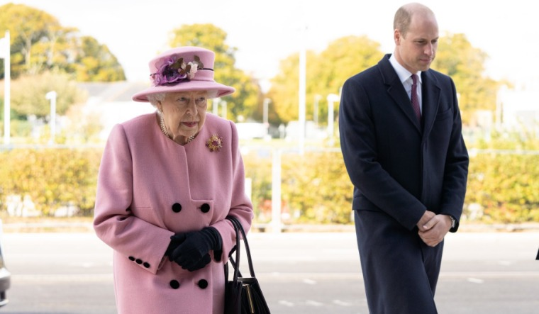 Queen Elizabeth carries out first public engagement since lockdown