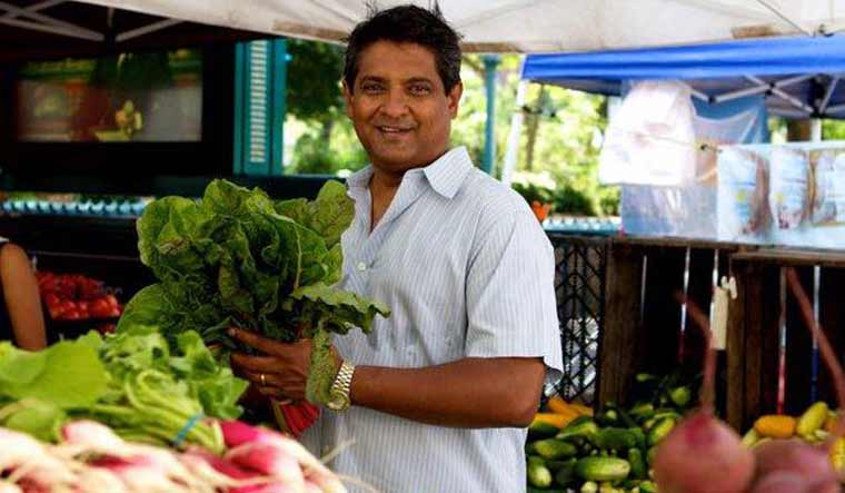 'Top Chef Masters' Winner Floyd Cardoz Dies At 59 From Coronavirus