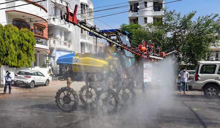 delhi-sanitisation-drive-pti