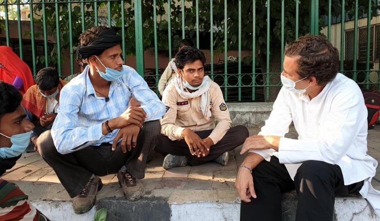 rahul-migrants