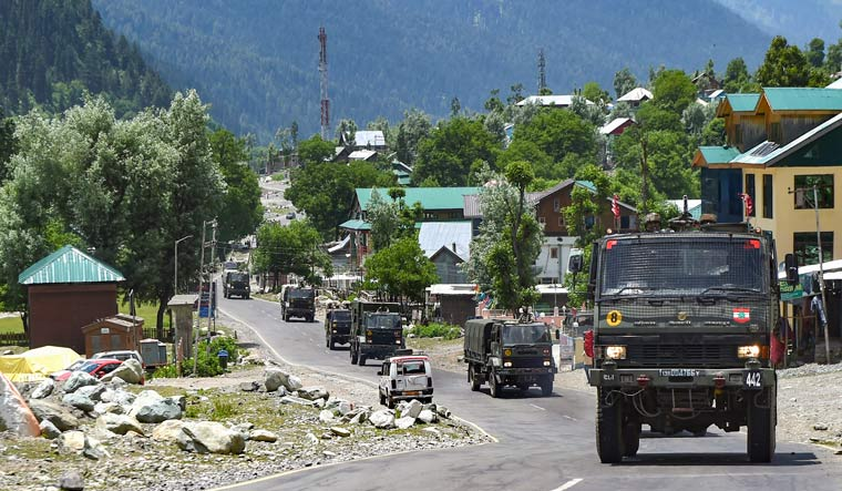 indian army convoy pti