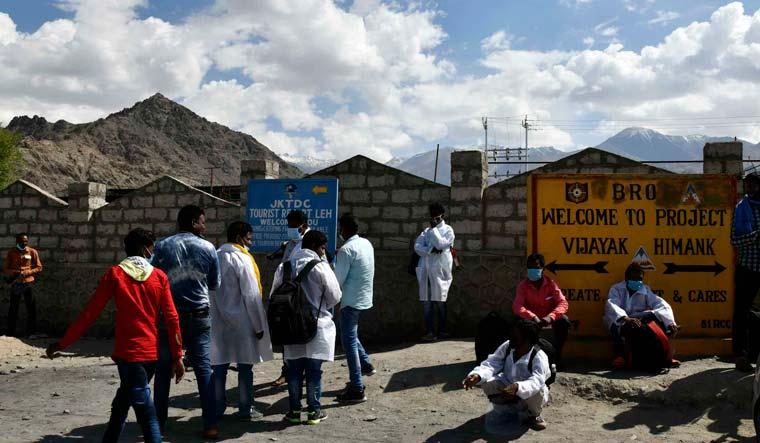 BRO-border-road-ladakh-vijayak-himank-sanjay