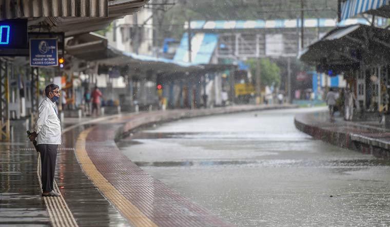 mumbai-rain-railway-pti