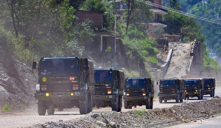 indian-army-convoy-ladakh