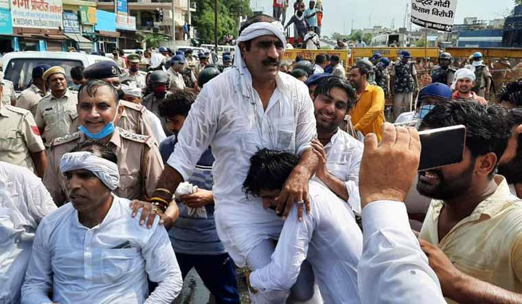 Haryana-youth-congress-protest-water-cannons-farmers-bil-Aayush