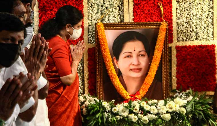 Expelled AIADMK leader VK Sasikala pays floral tribute to former Tamil Nadu Chief Minister late J. Jayalalithaa on her birth anniversary, at her residence in Chennai | PTI