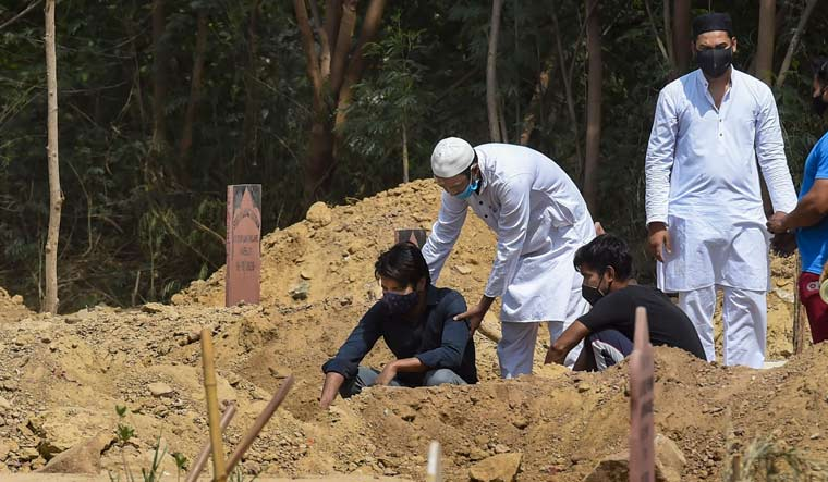 Delhi crematoriums, graveyards struggle to manage resources as COVID-19 kills 409 in just 13 days