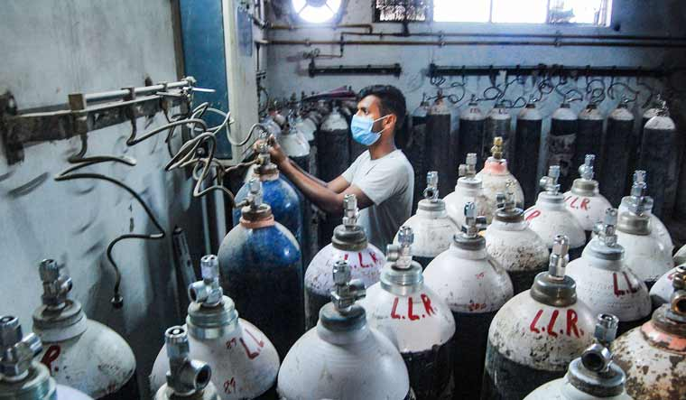 oxygen-cylinders-canisters-pti