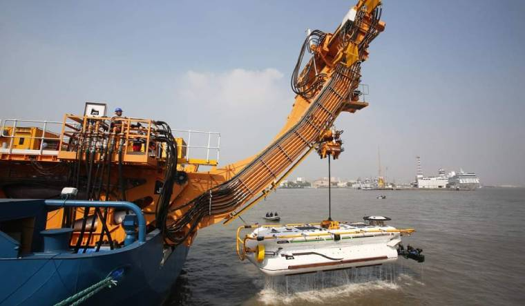 indian-navy-dsrv-sub-rescue-supplied
