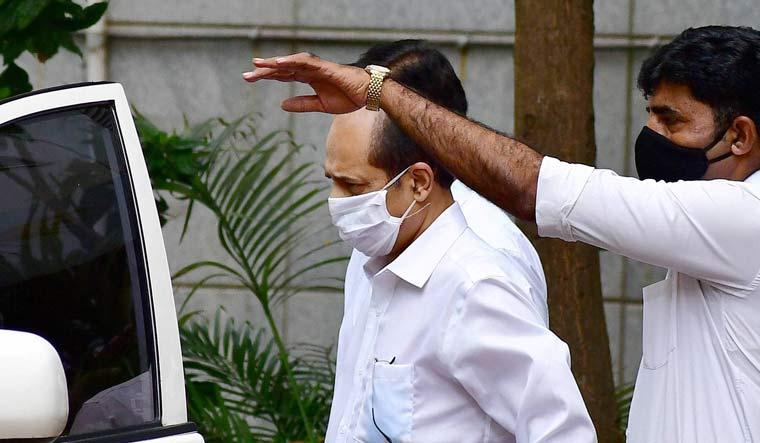 Suspended police officer Sachin Vaze being taken to an NIA court in Mumbai | PTI