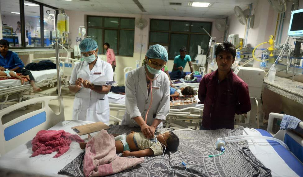 TOPSHOT-INDIA-HEALTH-CHILDREN