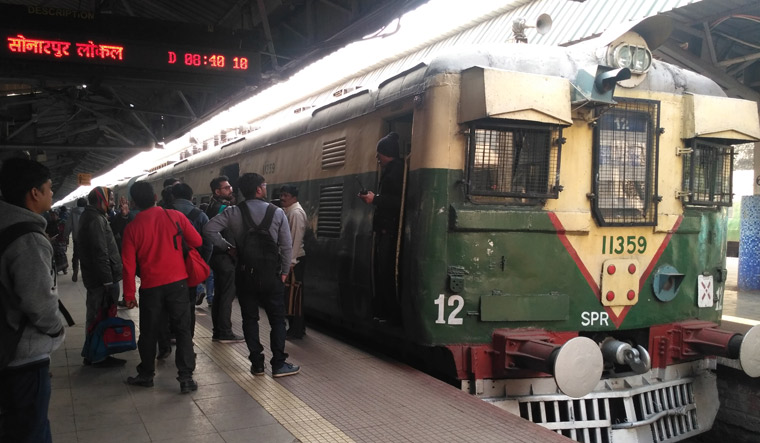 Sealdah train held up Salil