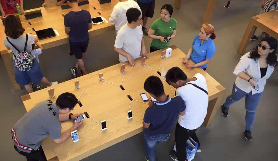 China-Apple-AP