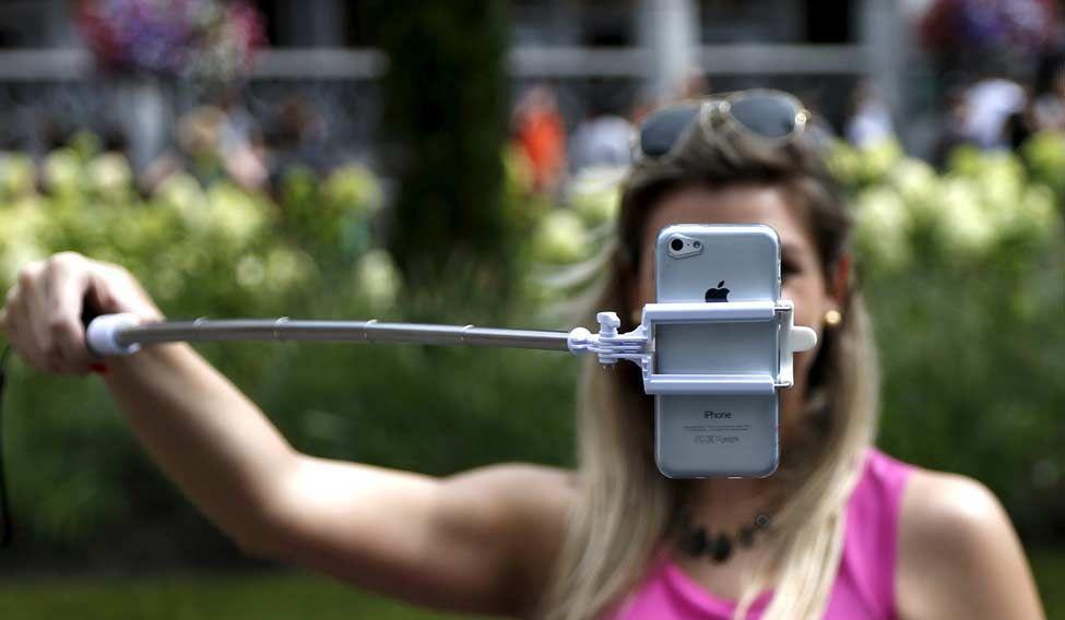 selfie-reuters