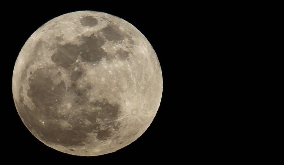 moon-china-reuters