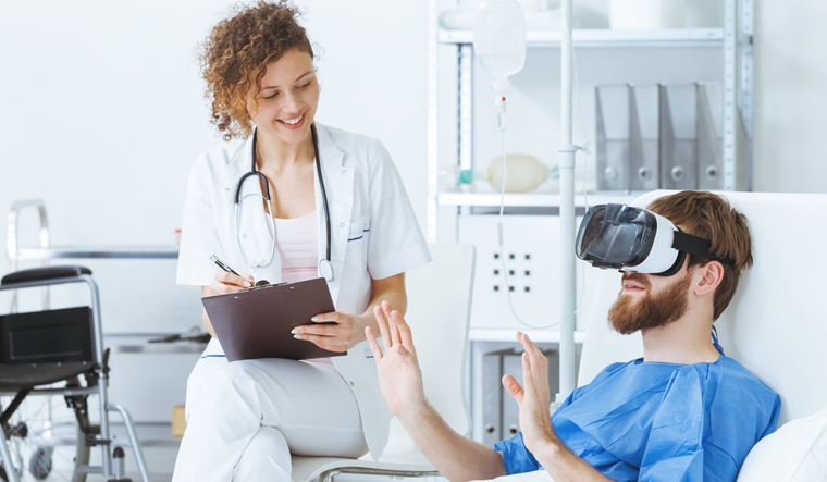 virtual-reality-therapy-vr-therapy-doctor-patient-shut