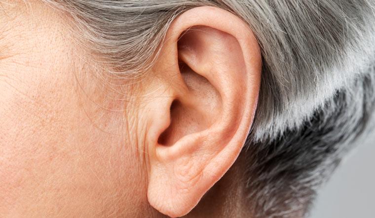 ear-ears-hearing-eart-canal-shut