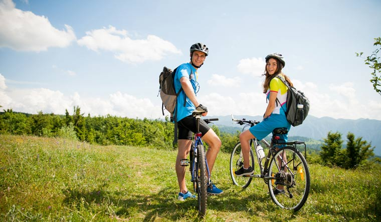 nature-tour-cycling-hill-visit-shut