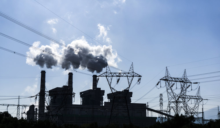 air-pollution-greenhouse-gases-carbon-dioxide-industry-shut
