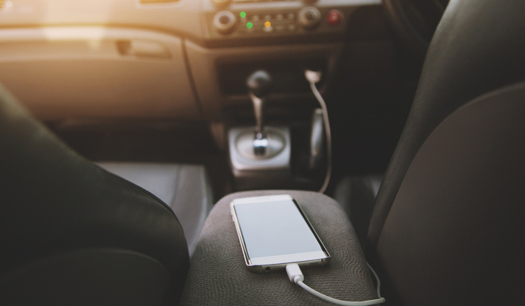 mobie-phone-charging-phone-car-cell-shut