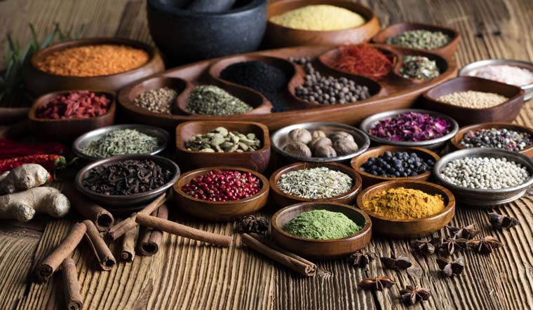 spices-spice-food-curry-shut
