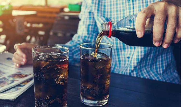 sugary-drinks-glass-beverage-dribking-shut