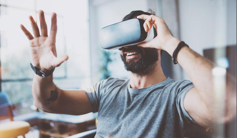 virtual-reality-VR-computer-generated-simulation-head-mounted-display-HMD-shut