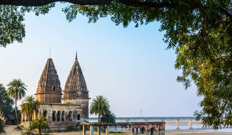 Ganga-Ghat-at-Shivrajpur-near-Kanpur-ganga-river-shut