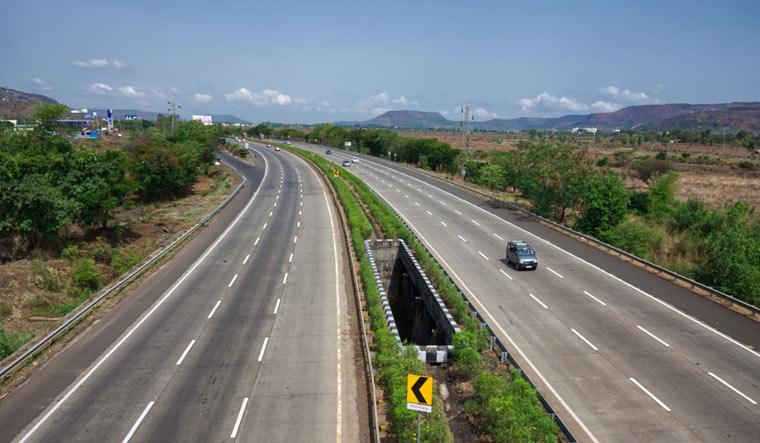 Mumbai Pune Express Highway